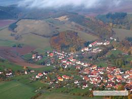 Schrägbildluftaufnahme mit Blick auf das Kahlköpfchen bei Roßdorf (KG1)