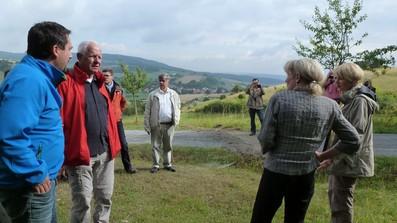 Die Sommerreise der BfN Präsidentin Beate Jessel führt am 13. August ebenfalls in die Rhön (siehe Presse). Bei einer Exkursion wurden projektrelevante Flächen am Gründchen bei Oberkatz mit dem Schäferweg besucht