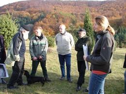 Wie in den vergangenen Jahren wurden verschiedene Exkursionen ins Projektgebiet durchgeführt, wie hier in die Wiesenthaler Schweiz (KG2) (Foto: LPV)
